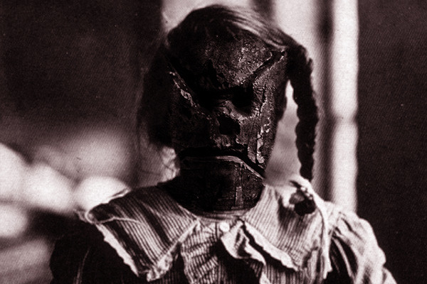 demone-bambino-2002-web